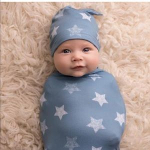 Itzy Ritzy Cocoon and Hat Set (swaddle)